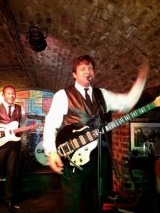 John Rivers - Guitar Singer