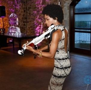 Joy Black - Violinist
