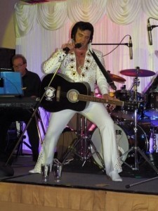 Darren Graceland jones - Elvis Impersonator