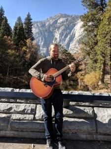 Kelly Miller - Acoustic Guitarist / Vocalist