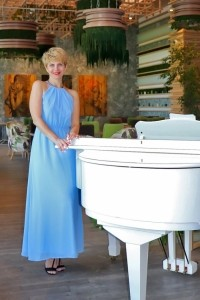 Oksana Nadraha - Pianist / Keyboardist