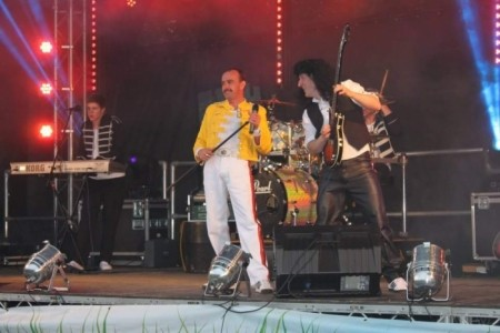 Craig john - Freddie Mercury Tribute Act