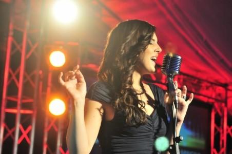 Belen robert - Female Singer