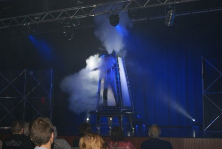 Albert Llorens - Stage Illusionist