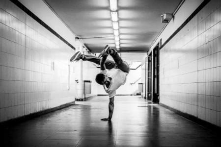 Julián Martin Haase  - Aerialist / Acrobat