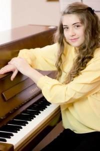 Cristiana Achim - Pianist / Keyboardist