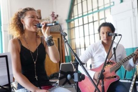 Tjau - Female Singer