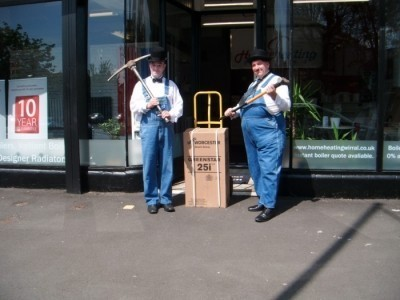 Laurel & Hardy Lookalikes Magicians - Lookalike