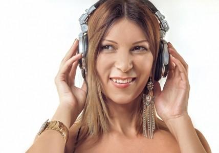 Mila Wave - Nightclub DJ