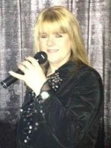 Lynsey graham  - Female Singer