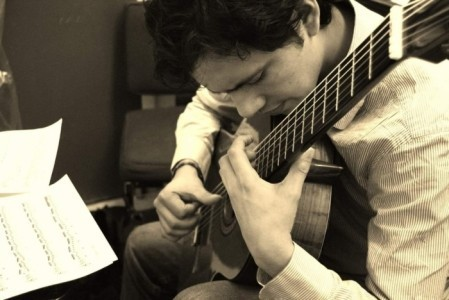 Julian Bogoya - Solo Guitarist