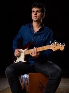 SRI NASSU BOWE - Guitar Singer