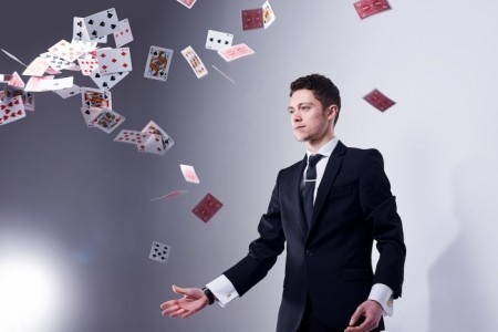 Luca Gallone - Close-up Magician