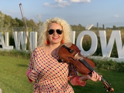 Beata Just - Electric Violinist