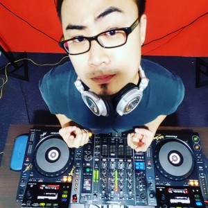 DigitalRabbit/DJChris - Nightclub DJ