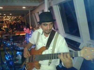 Mauricio Andrés Okuinghttons - Bass Guitarist