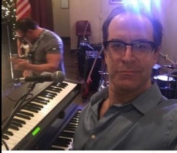 Francis X - Pianist / Keyboardist