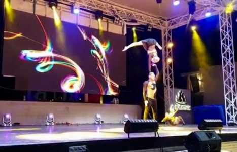 Aerial silks duo and acrobatic duo  - Aerialist / Acrobat