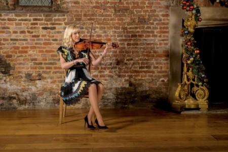 Hayley Pomfrett - Leading UK Violinist - Violinist