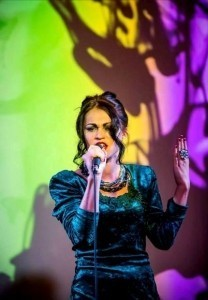 SIGNE - Female Singer