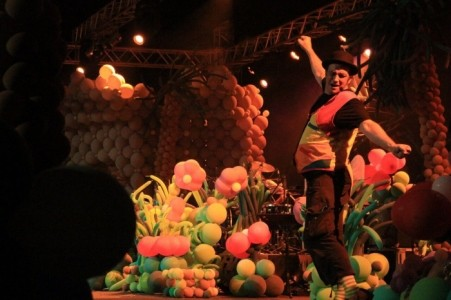 Uncleballoons and the 25 000 balloons show  - Other Speciality Act