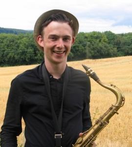 Lloyd Cottrell LED Sax - Saxophonist
