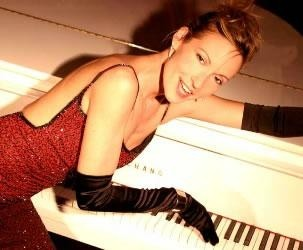 Annie Smith - Pianist / Singer