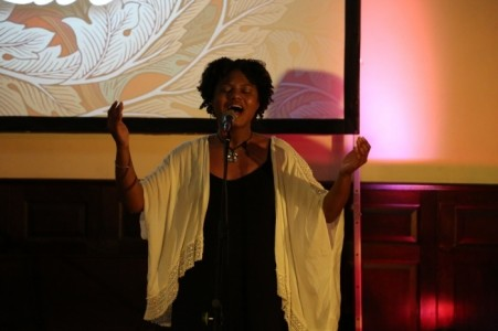 Roni Smith - Female Singer