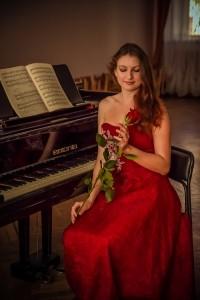 Nora Lee - Pianist / Keyboardist