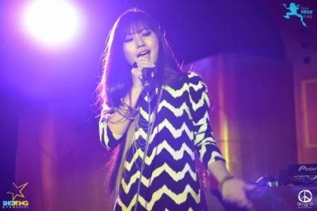 Feli - Female Singer