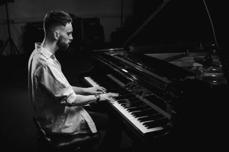 Lewis Bolland - Pianist / Keyboardist