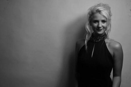 LAUREN LOVELLE - Female Singer