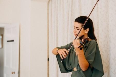Barbara The Violinist - Violinist