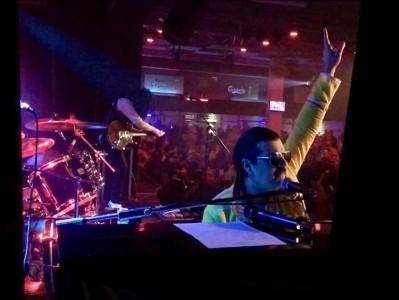 QUEEN & Freddie Mercury - Queen Tribute Band
