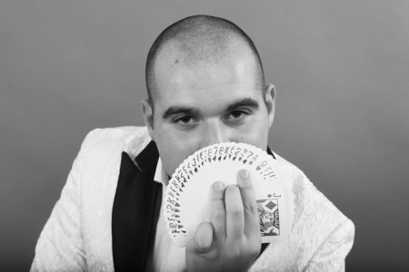 Vincenzo Orlando - Close-up Magician