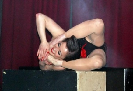 Pixie Le Knot - Contortionist