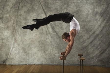 Daniel Patrick - Aerialist / Acrobat