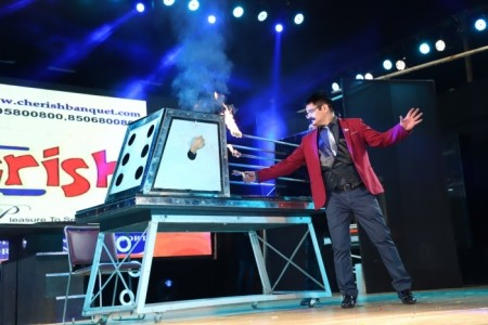 Sumit Kharbanda - illusionist & ipad Magician - Other Magic & Illusion Act