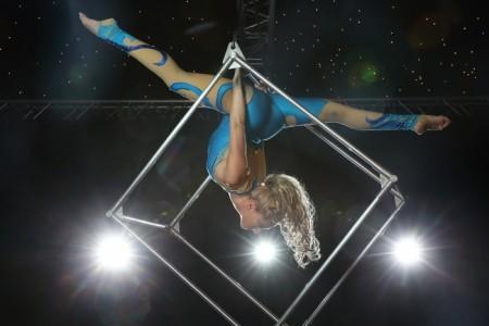 Katia  - Aerialist / Acrobat