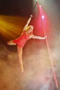 Anna de Carvalho - Aerialist / Acrobat