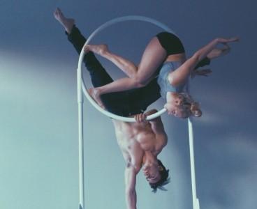 Savvy Crittenden - Aerialist / Acrobat