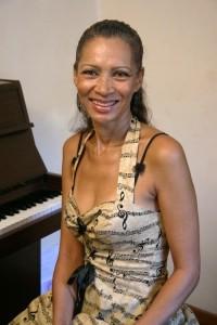 Melody Ross - Pianist / Keyboardist