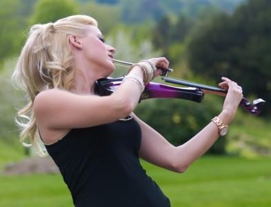 Hayley Pomfrett - Leading UK Violinist image