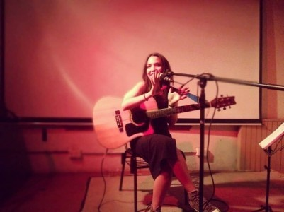 Úrsula Ramat - Female Singer