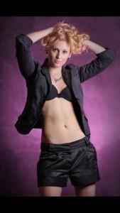 Stasea Toia - Female Singer