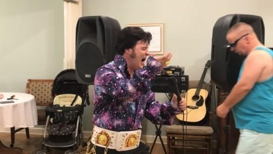 Elvis tribute act  - Elvis Impersonator