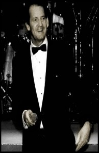 Pat Sinatra - Pianist / Singer
