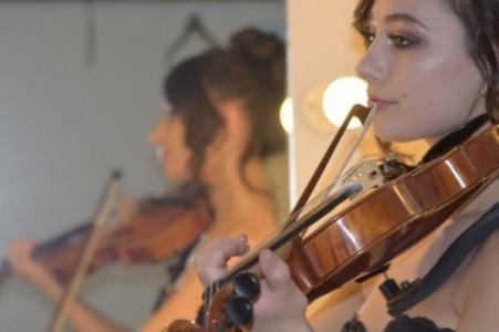 Anna Edelweiss - Violinist