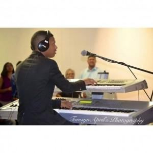 Roderick - Pianist / Keyboardist