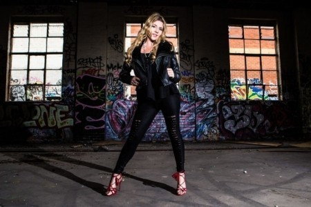 Vicky Vanna  - Nightclub DJ